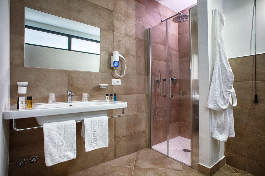 Bagno delle camere matrimoniali dell'Hotel a Pompei