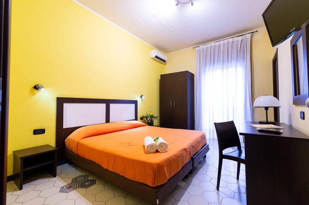 Colorata allegra camera dell'Hotel del Sole