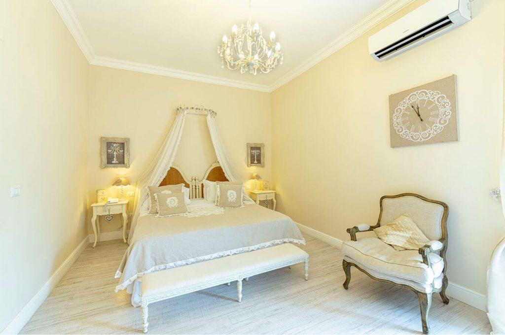 Lo stile della suite Junior dell'Hotel a Pompei