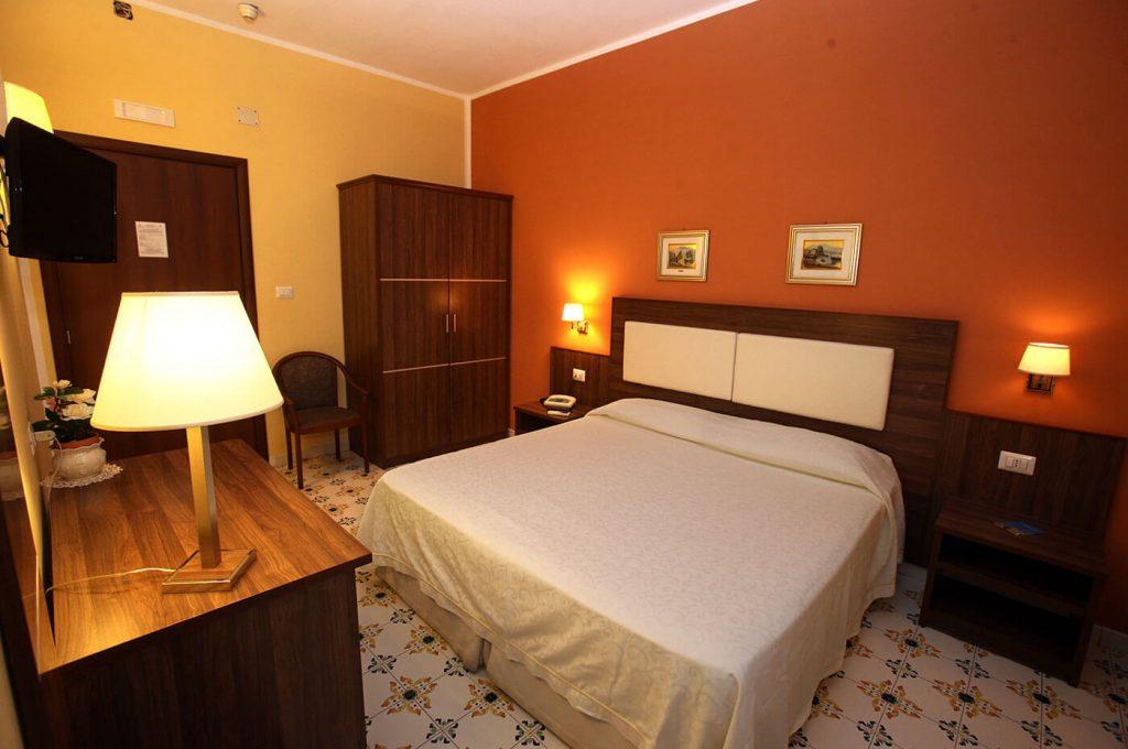 Elegante economy matrimoniale dell'Hotel a Pompei