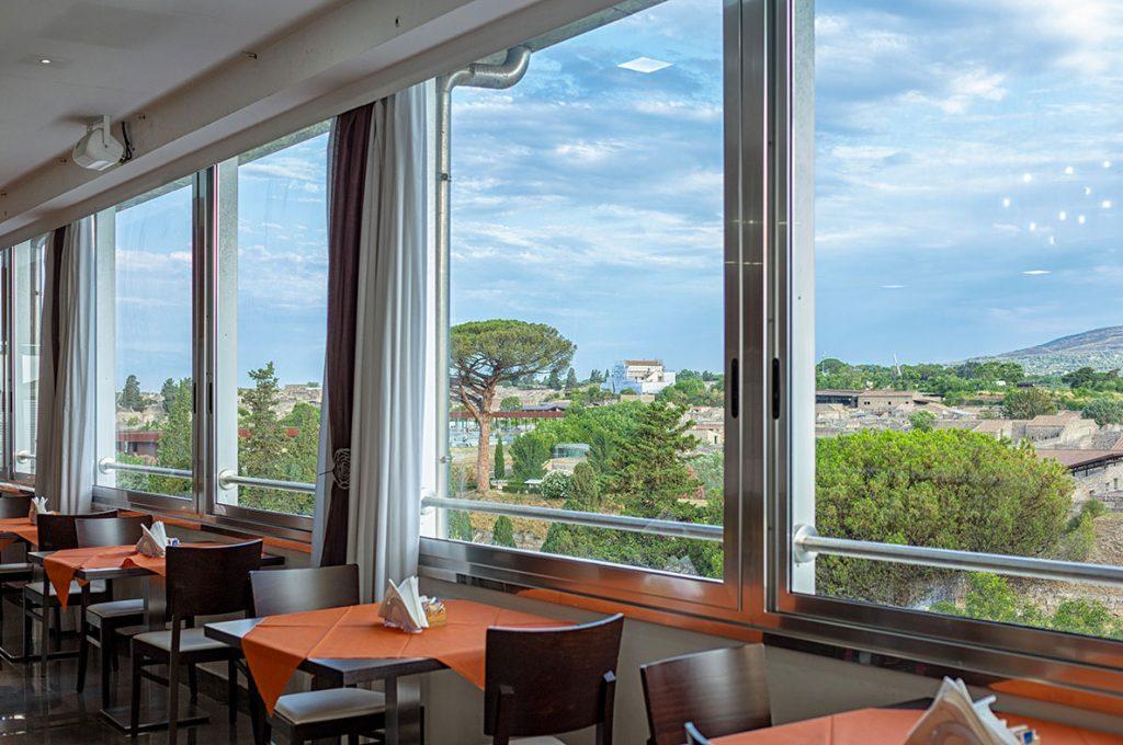 Terrazza panoramica del Pub del Bar Hermes a Pompei