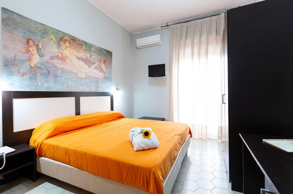 Elegante matrimoniale economy dell'Hotel a Pompei