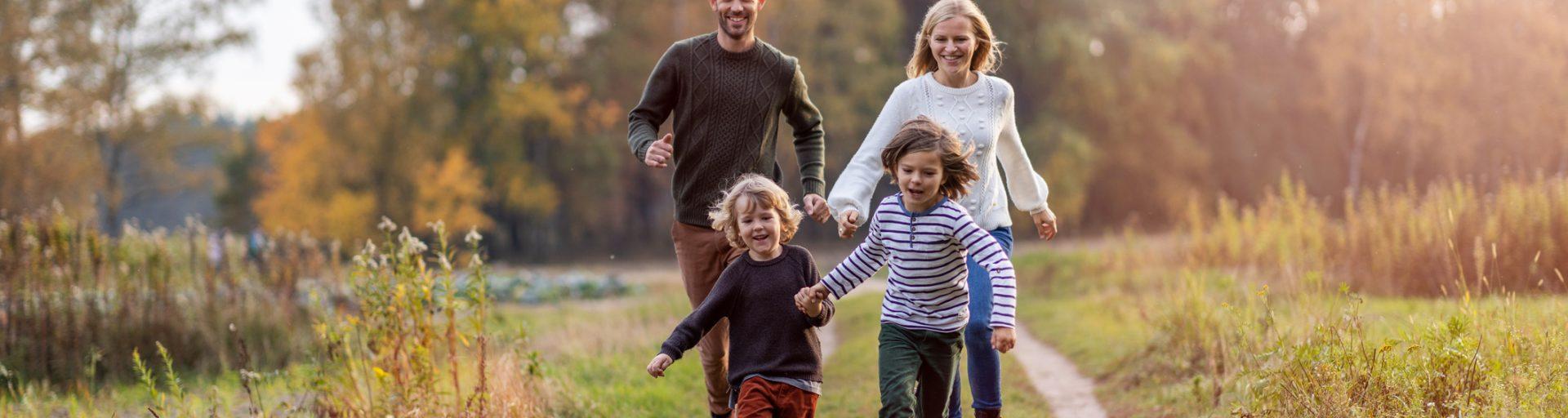 Passeggiata in famiglia nella natura dell'Hotel Pompei