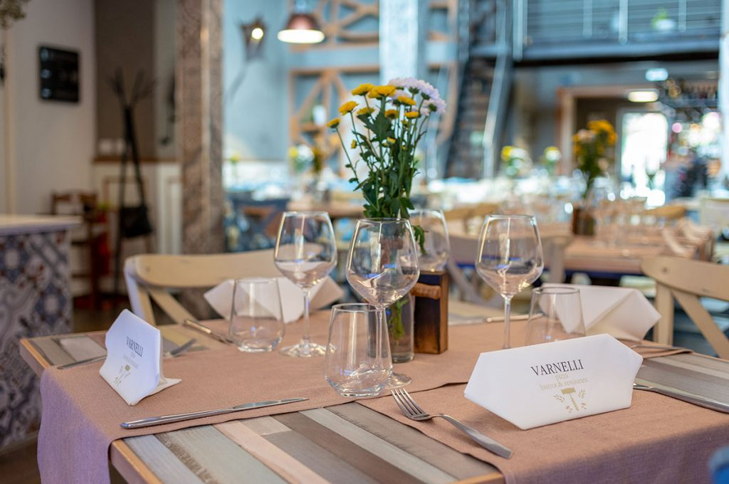 Elegante tovagliato del ristorante Varnelli a Pompei
