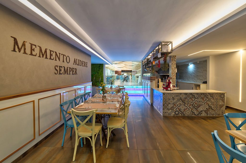 Stupenda sala del ristorante Varnelli a Pompei