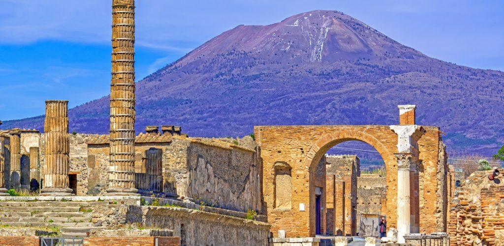 Vista del Vesuvio dagli Scavi di Pompei