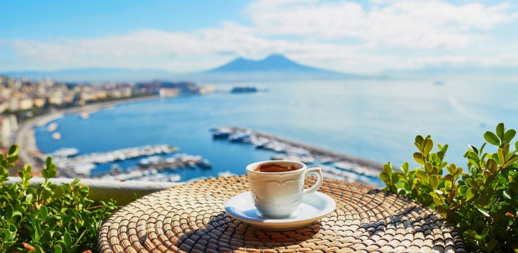 Colazione con vista panoramica. Hotel del Sole a Pompei